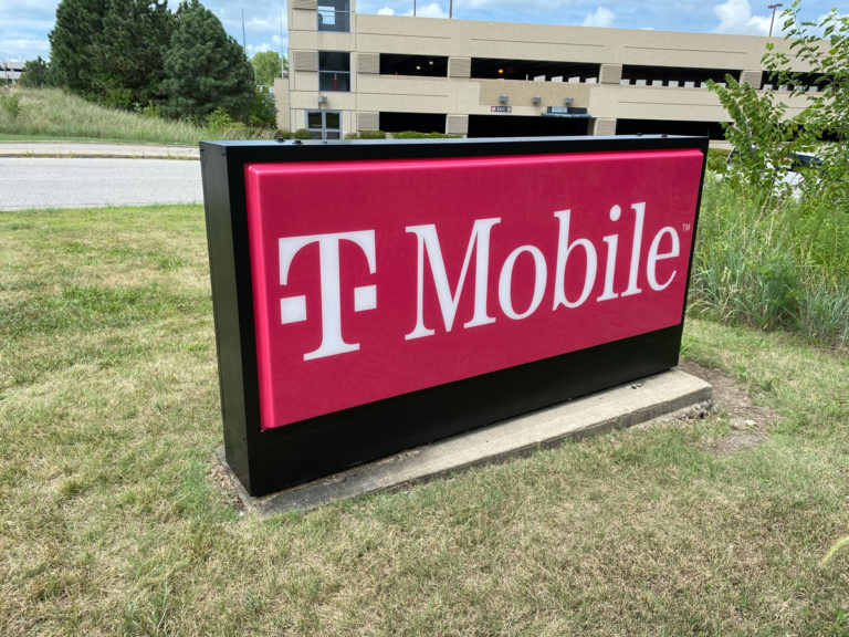 T-mobile Formed Faces